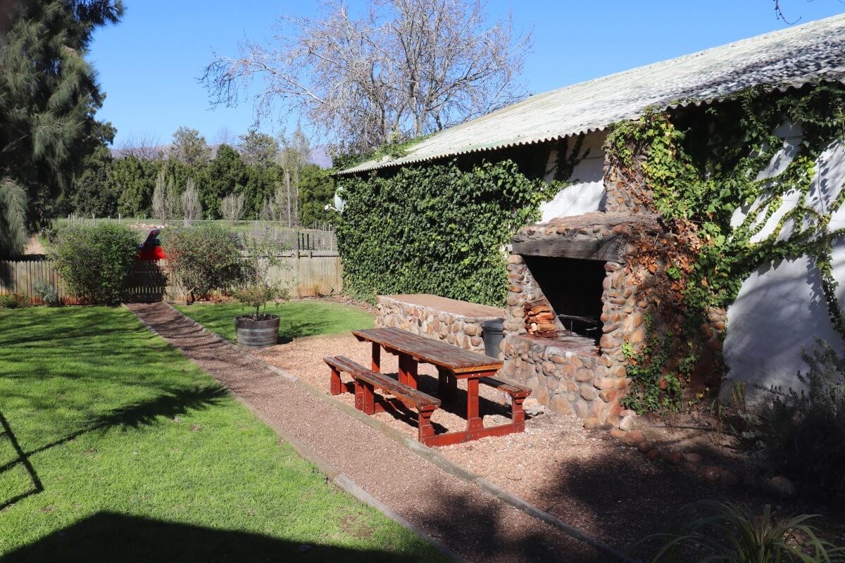 vindoux-tree-lodge-braai-area