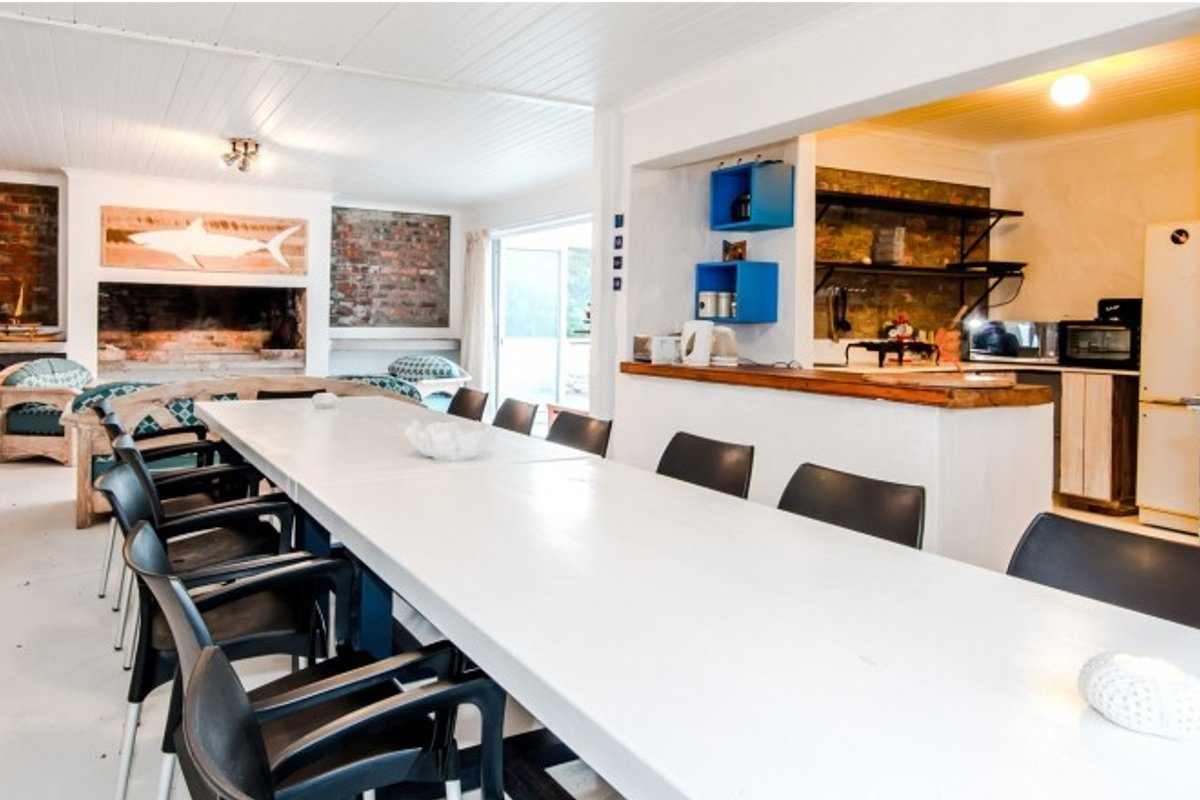 captains-cabin-dining-kitchen