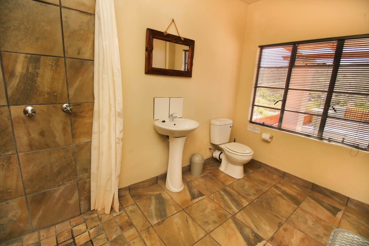 fish-eagle-cottage-bathroom
