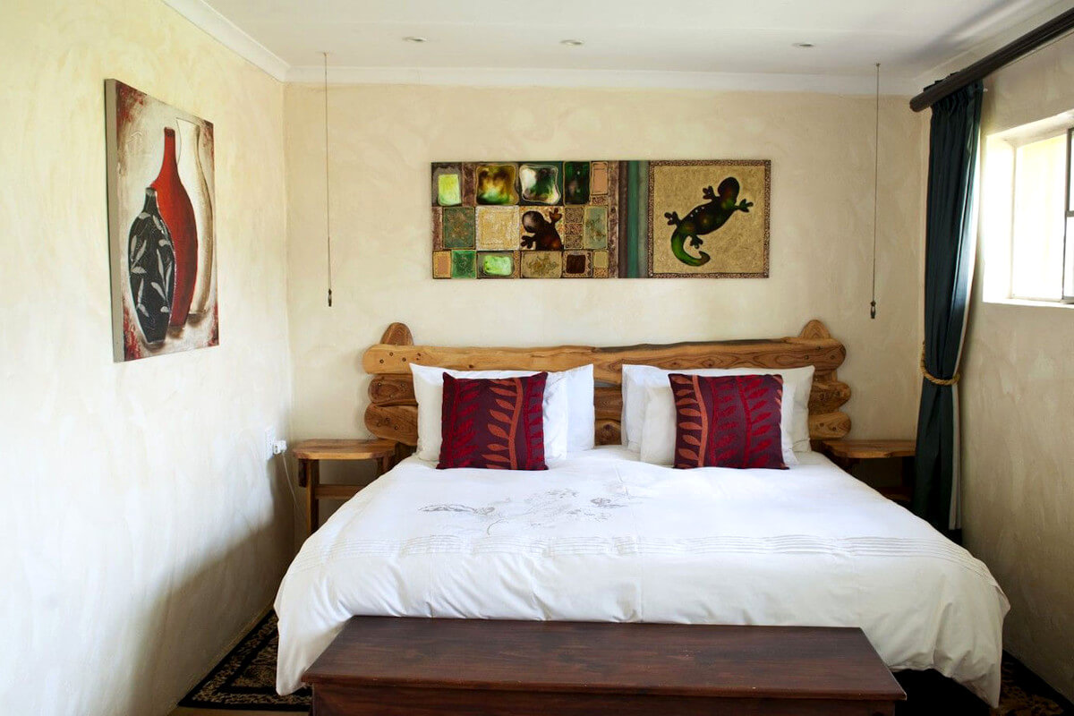 bluebush-lodge-magaliesberg-bedroom