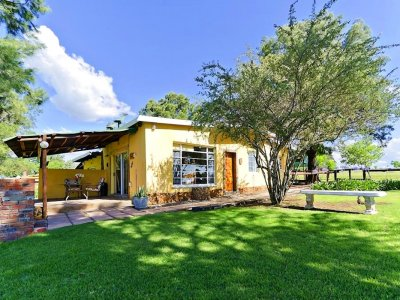 acacia-dog-friendly-cottage-magaliesburg