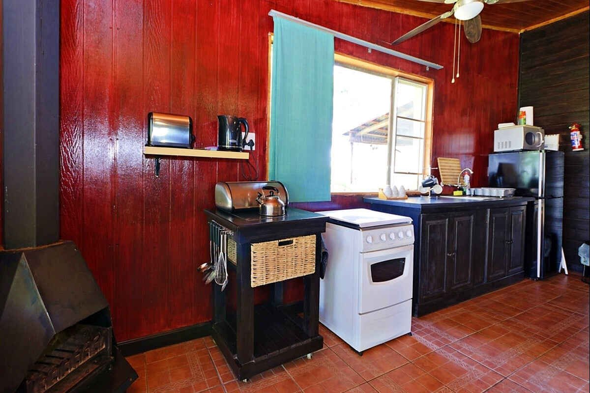 the-barn-magaliesburg-kitchen
