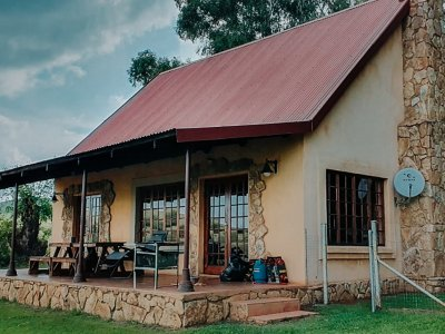 Highlands Fish Eagle Cottage outside-1