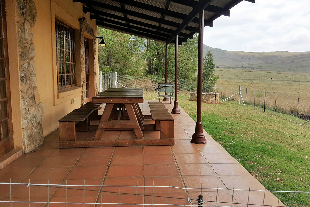 Highlands Fish Eagle Cottage patio-1